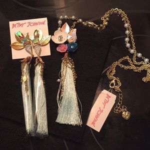 Final $ drop Authentic Betsey necklace / earrings